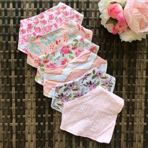 Accessories - 🆕✨Baby Girl Bandana Bib Bundle
